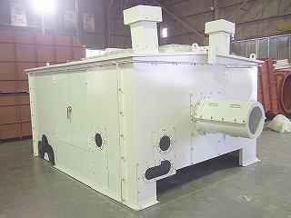 石炭ガス化複合発電設備給水ポンプ用防音カバーのポンプ接続側の外観写真
