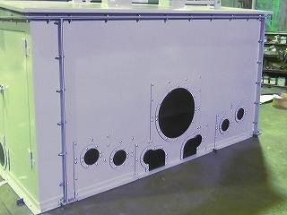 石炭ガス化複合発電設備給水ポンプ用防音カバーの裏側の外観写真