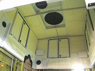 石炭ガス化複合発電設備給水ポンプ用防音カバーの内側