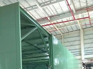 発電機用防音カバーの軽量な軸組み構造