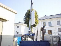 防音壁パネルの搬入写真