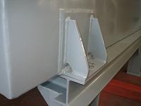 燃焼ブロワー吸込消音器の架台部