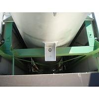 ガスエンジン排気サイレンサの架台へのボルト固定