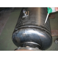 LNG配管用消音器の気密試験(周溶接部)