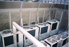 ガスヒートポンプ室外機の騒音対策の写真